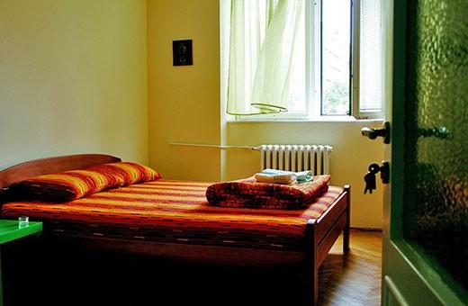 Soba sa francuskim krevetom 1/2, Apartman Komunac - Novi Beograd