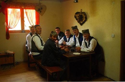 Veselo društvo, Pansion Nebo - selo Rudno