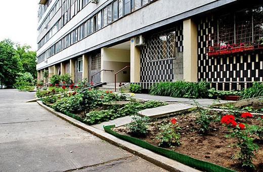 Ulaz u zgradu, Apartman Komunac - Novi Beograd