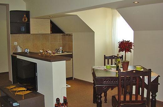 Apartman 6 Trpezarija i kuhinja, Apartmani Stasea Smederevo