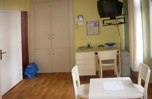 Soba1, Smeštaj Kovač - Beograd