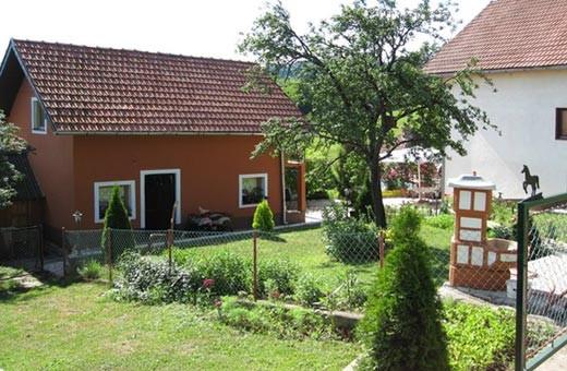 Bašta, Brvnare Zlatibor, Selo Očka Gora - Zlatibor