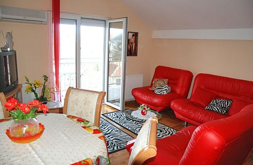 Livingroom, Red apartment - Apartments Makojevic, Vrnjačka banja