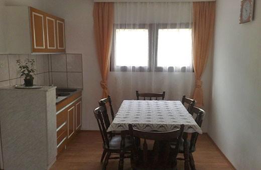 Trpezarija sa kuhinjom na I spratu, Seosko domaćinstvo Krstivojević - Selo Krčmar
