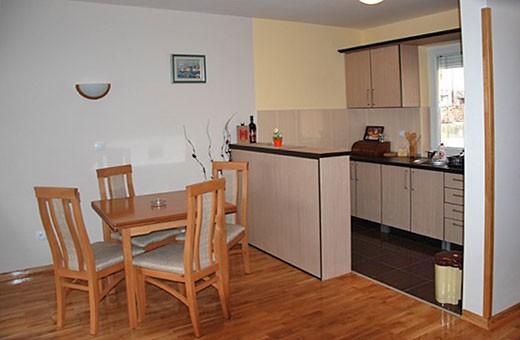 Diningroom and kitchen, Apartment Dunavski - Apartments Makojevic, Vrnjačka banja