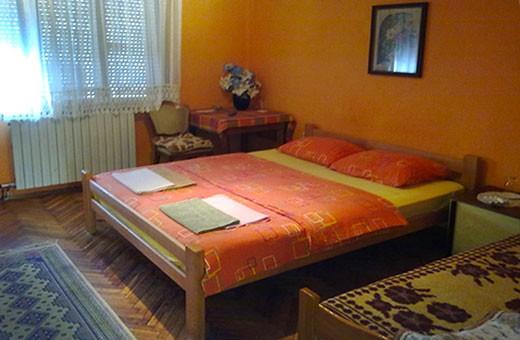 Soba 1/3, Pansion Lug - Beograd