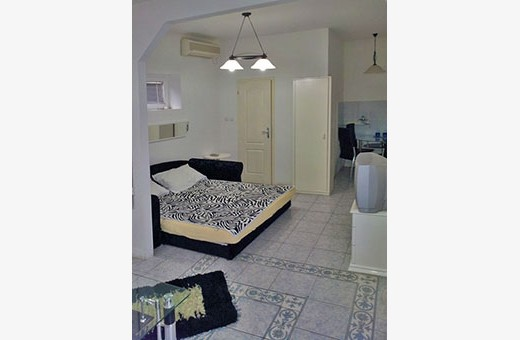 Crno bela soba, Hostel Avala - Kikinda