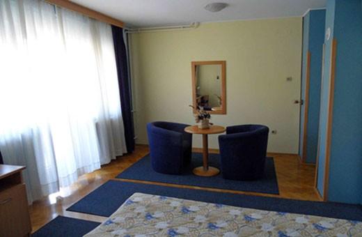 Room 1/2, Voyager bed&breakfast - Novi Sad