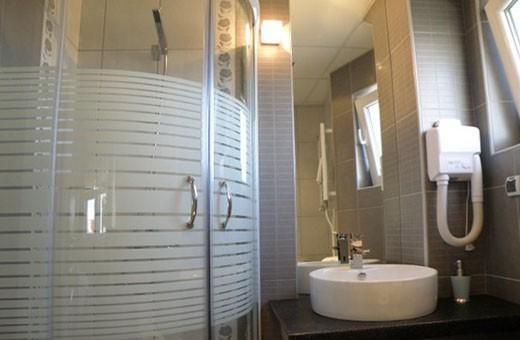 Kupatilo Lux soba 1/2+1, Hotel Biser - Kruševac