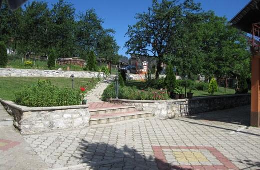 Dvorište, Brvnare Zlatibor, Selo Očka Gora - Zlatibor