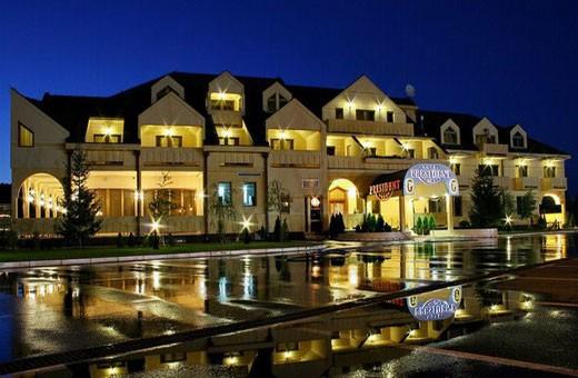 By night, Hotel President - Belgrade