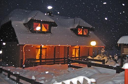 """Winter night, Apartments """"Tarska kuća Viva"""" - Tara"""