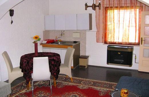 Apartman2 trpezarija, Apartmani Slavica - Jagodina