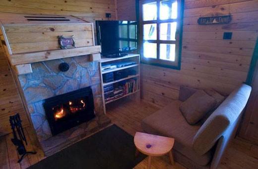 Fireplace, Hostel Montana - Koponik